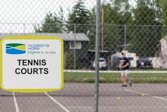 tennis court sign